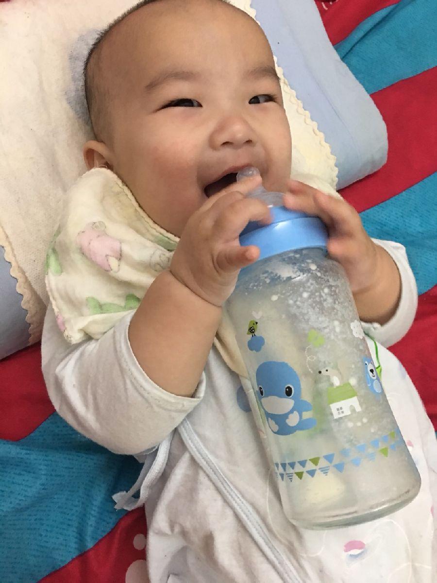 這隻奶瓶太神奇了!寶貝使用後拍嗝速度變快~也比較沒有脹氣問題!_2F_img_2