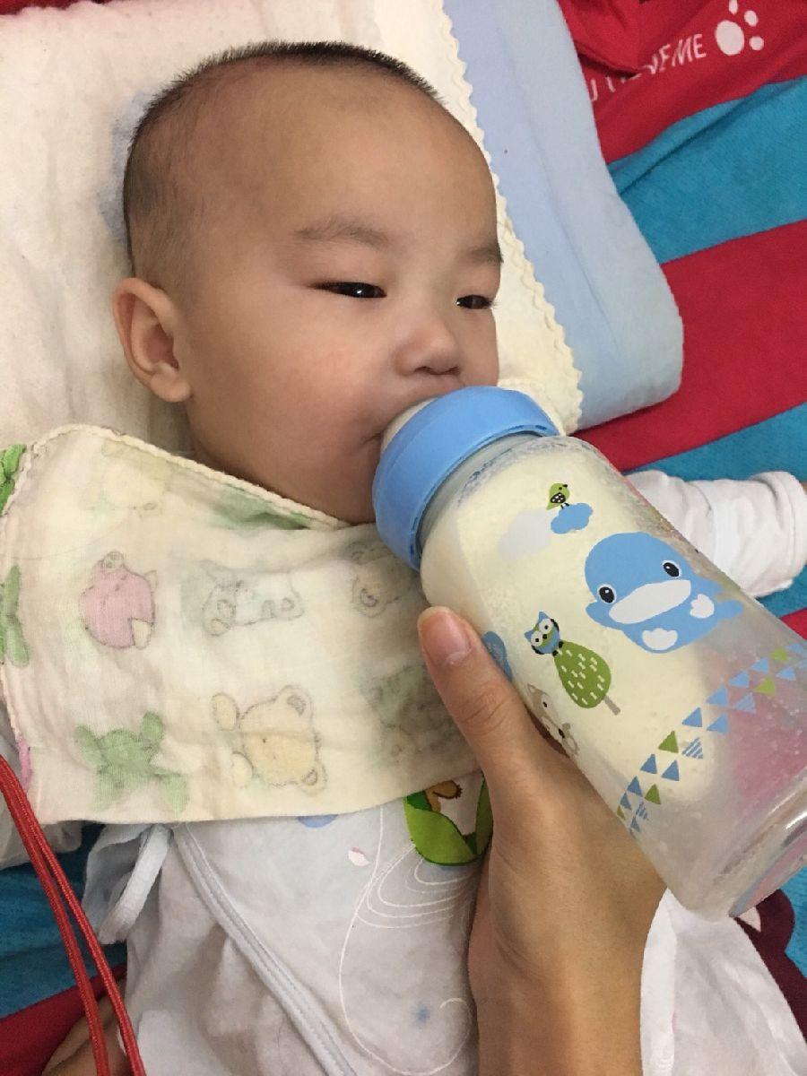 這隻奶瓶太神奇了!寶貝使用後拍嗝速度變快~也比較沒有脹氣問題!_2F_img_1