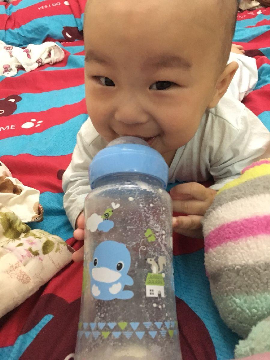 這隻奶瓶太神奇了!寶貝使用後拍嗝速度變快~也比較沒有脹氣問題!_2F_img_6